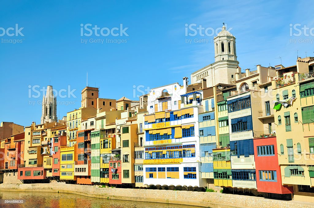 Colourful Houses on the Onyar (Cases de l'Onyar), Girona, Spain stock photo