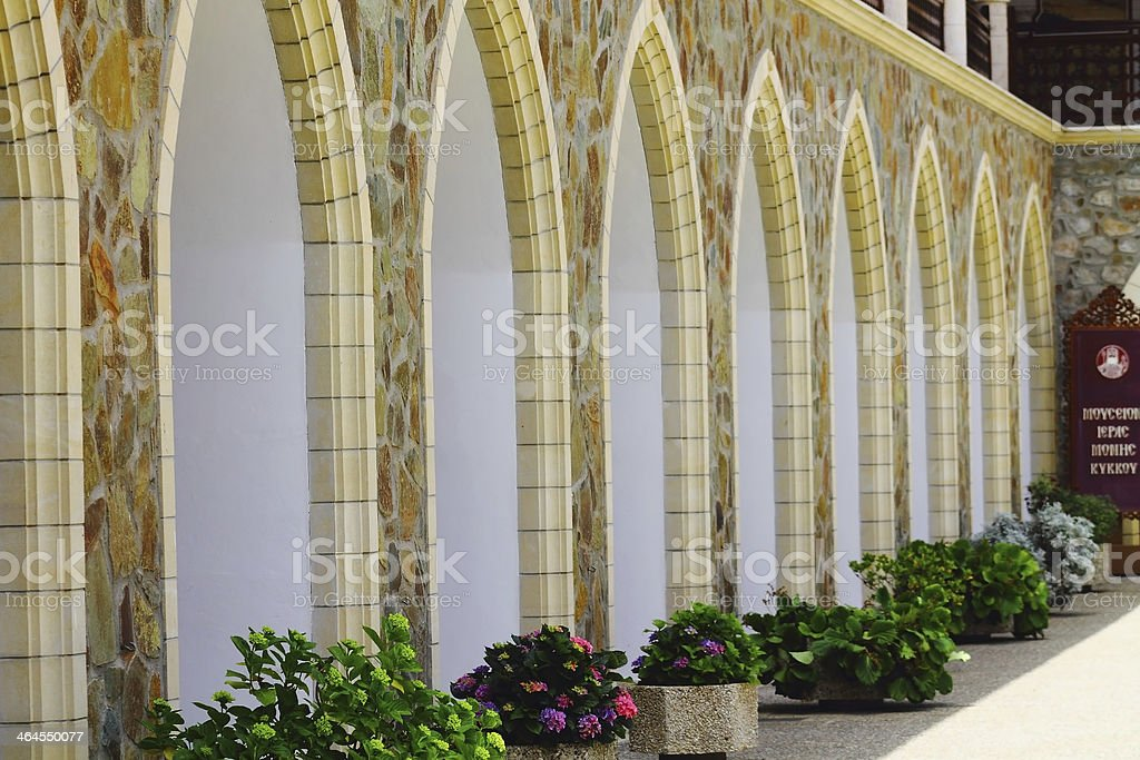Columna en la Iglesia de arquitectura foto de stock libre de derechos