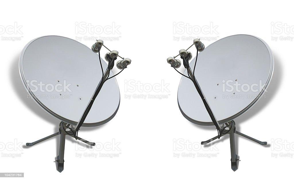 Conceito de comunicação de dois antenas por satélite foto de stock royalty-free