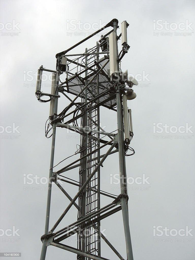 Torre de Comunicações com antenas de Telefone foto de stock royalty-free