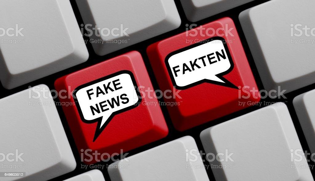 Computer Keyboard Fake News Facts german stock photo