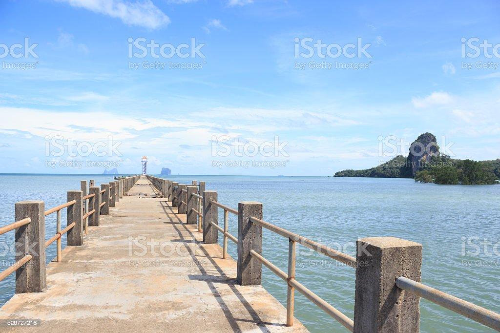 Мост в моря, чтобы найти рай назначения путь Стоковые фото Стоковая фотография
