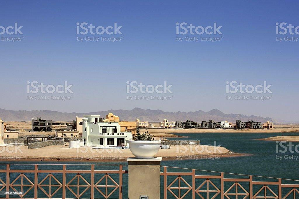 Construção de praia artificial operadores de El Gouna, Egipto foto de stock royalty-free