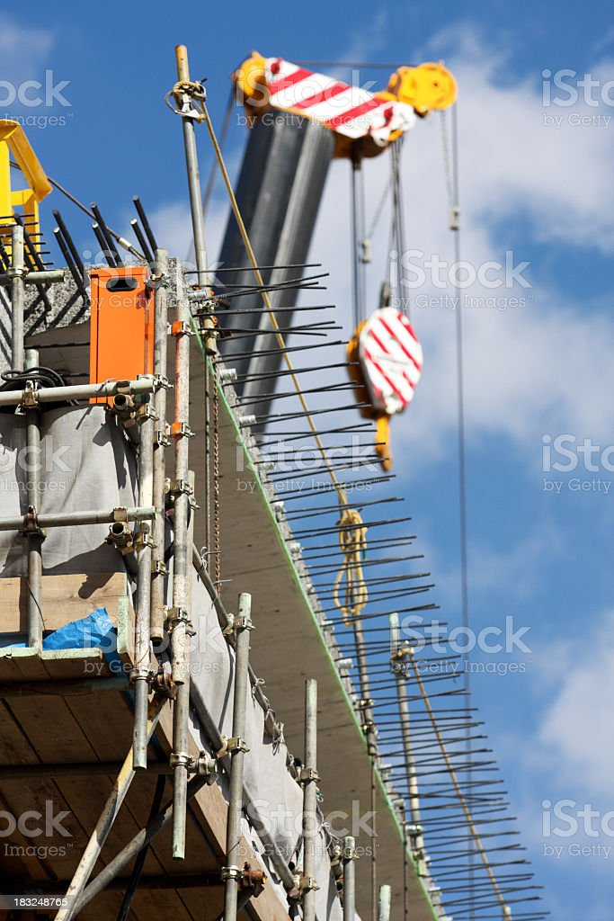 Baustelle mit Kran hooks Lizenzfreies stock-foto