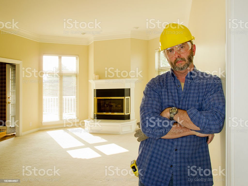 Construction Travailleur inquiète nouvelle page d'accueil des ventes et de son travail photo libre de droits