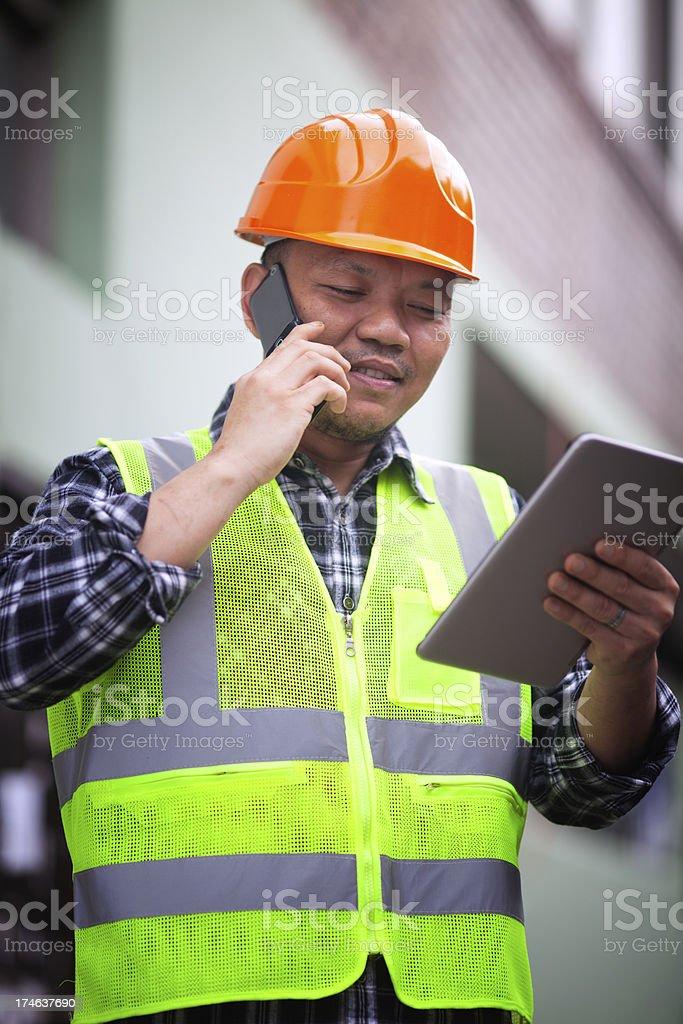 Bauarbeiter mit Sicherheit Weste Lizenzfreies stock-foto