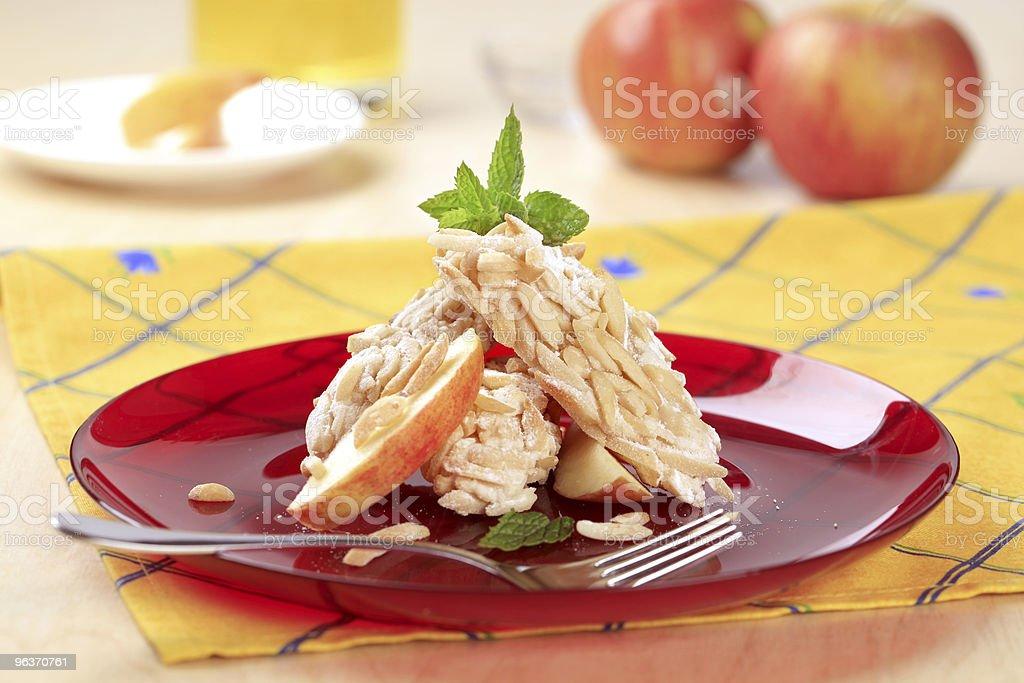 Cookie-файлы из мелко миндаля в скорлупе Стоковые фото Стоковая фотография