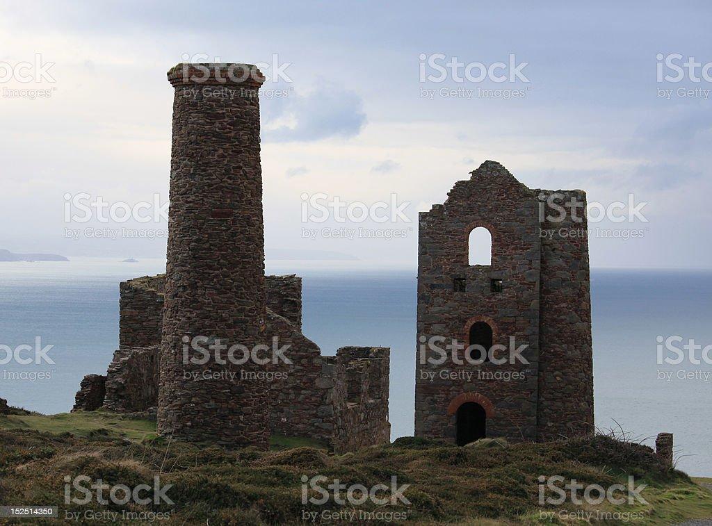 コーニッシュ錫の鉱山、および煙突スタック ロイヤリティフリーストックフォト