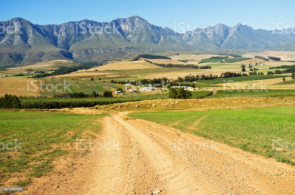 Country roads: Western Cape farmland and mountains in summer stock photo