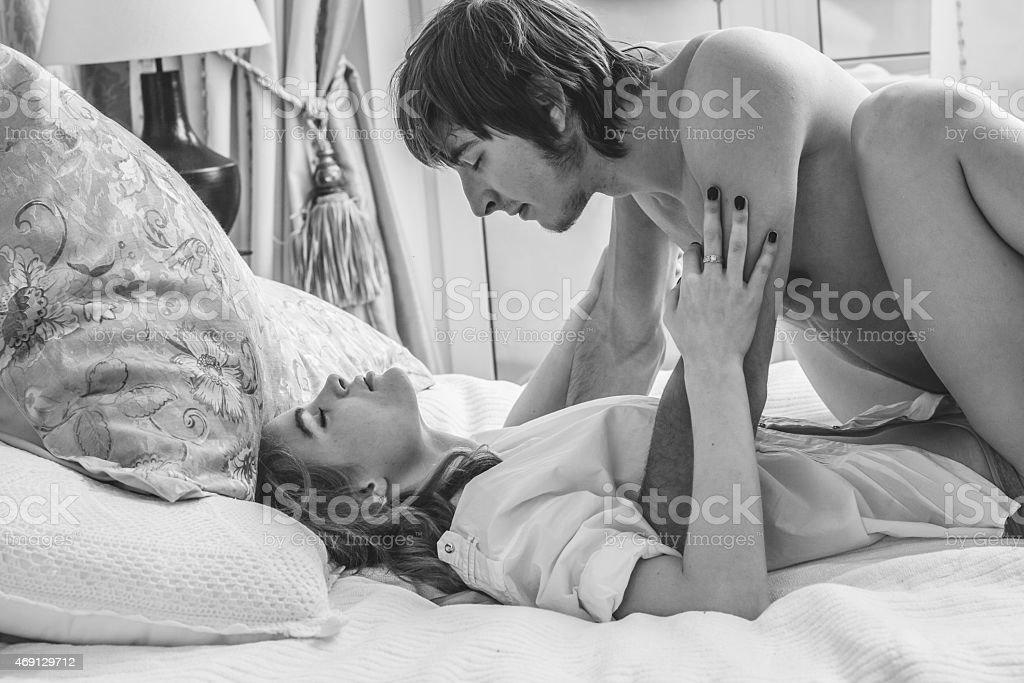 pics of women bending over naked