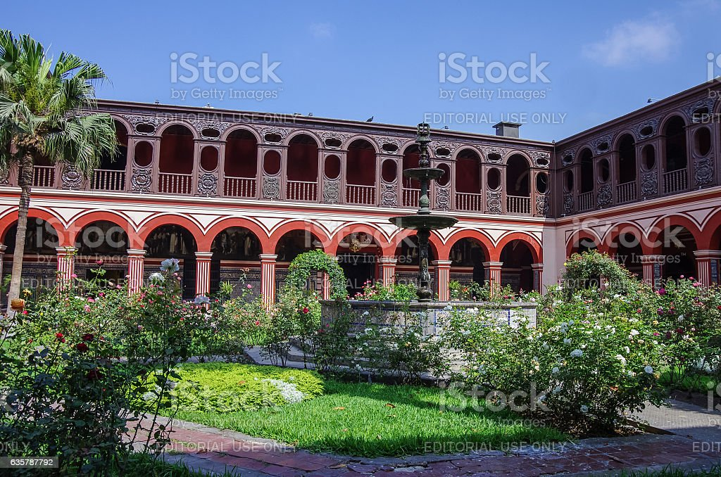 Courtyard in the Convento Santo Domingo in Lima stock photo