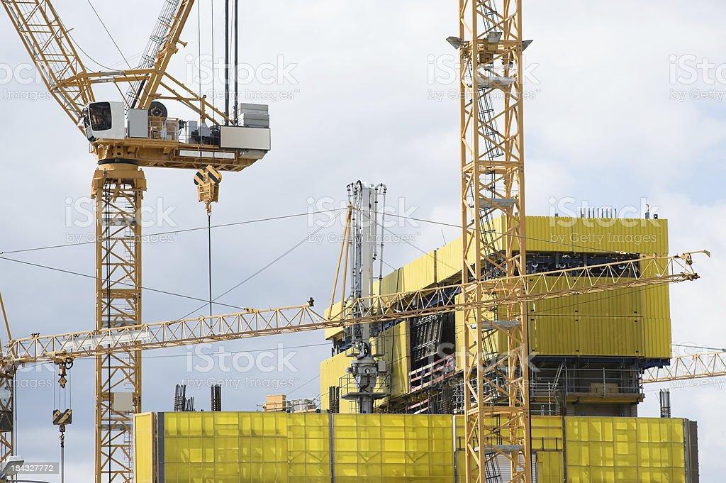 Gru sul Cantiere di costruzione foto stock royalty-free