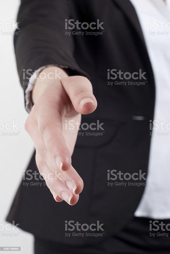 Recortar imagen de jóvenes bussinesswoman con un apretón de manos foto de stock libre de derechos
