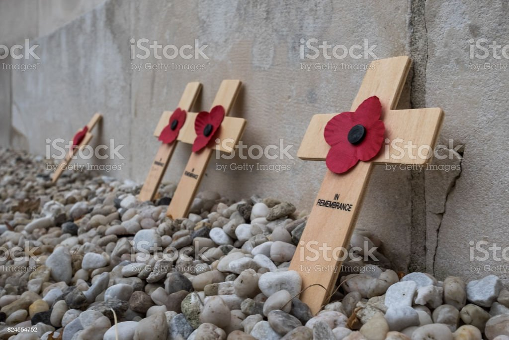 Crosses and Poppies in the Tyne Cot Commonwealth War Cemetery, Friday 28 July 2017 in Passendale stock photo