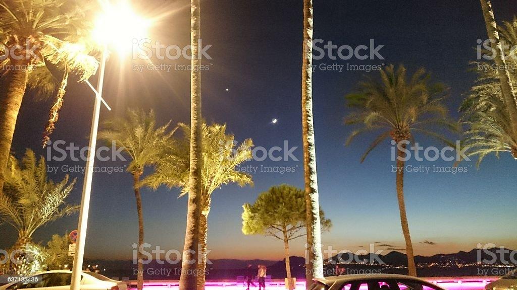 Crépuscule dans la baie de Cannes stock photo