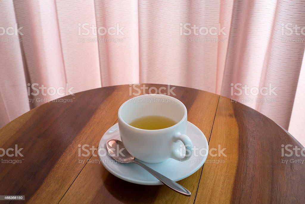 Tasse de thé sur la table photo libre de droits