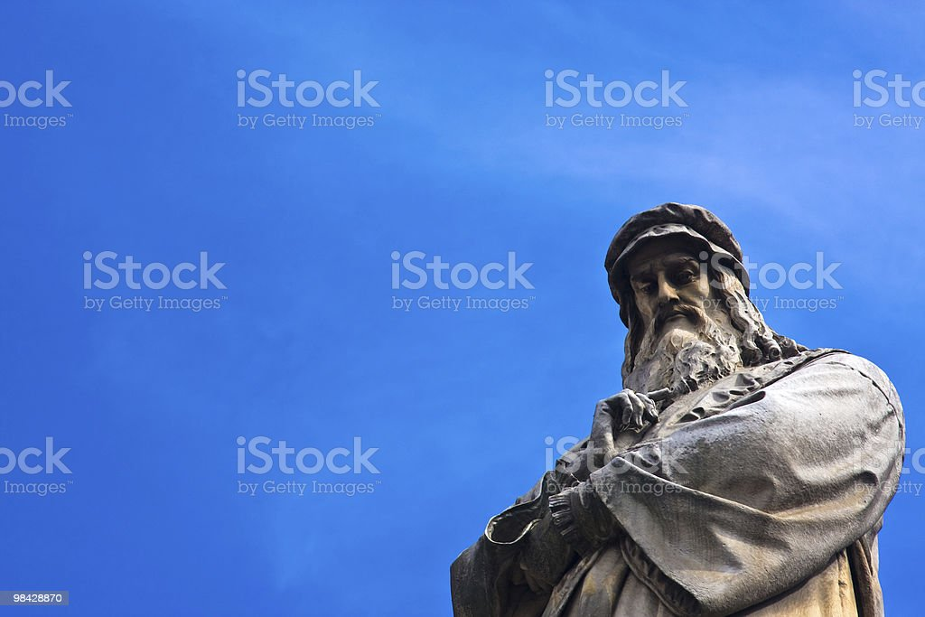 Da Vinci statue stock photo