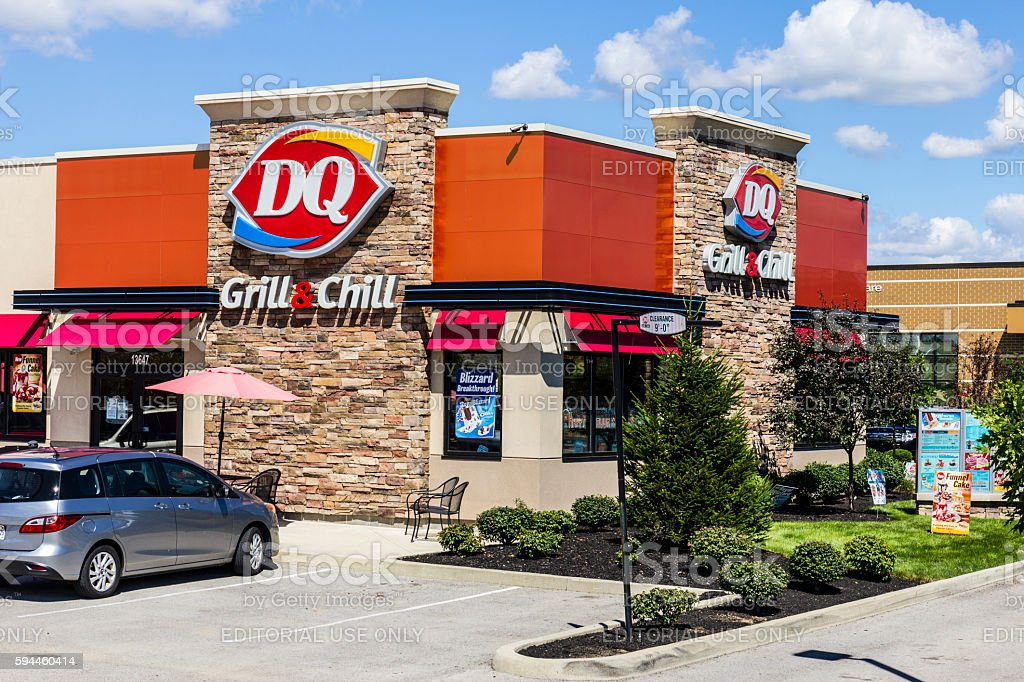 Dairy Queen Retail Fast Food Location III photo libre de droits
