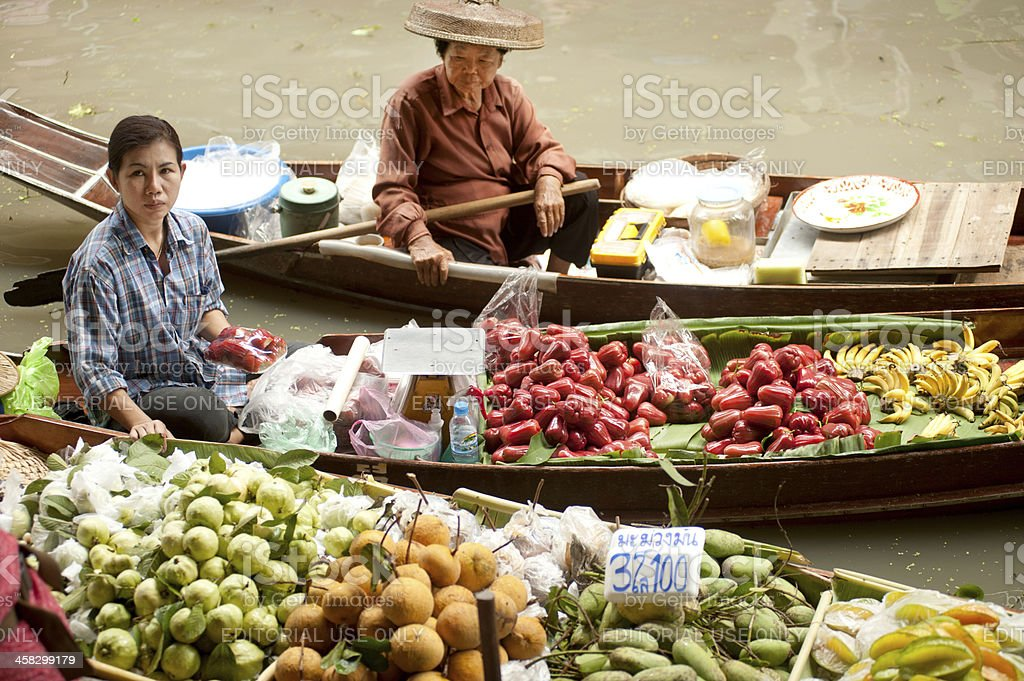 Dam Nuan Saduak floating market in Middle of Thailand. royalty-free stock photo