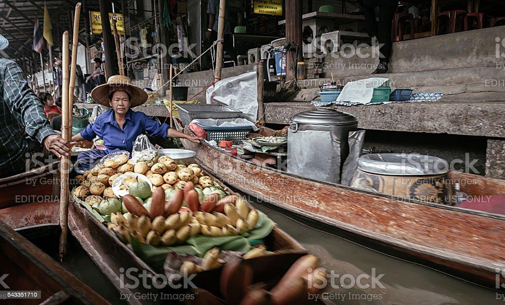 Mercado Flutuante de Damnoen Saduak foto royalty-free