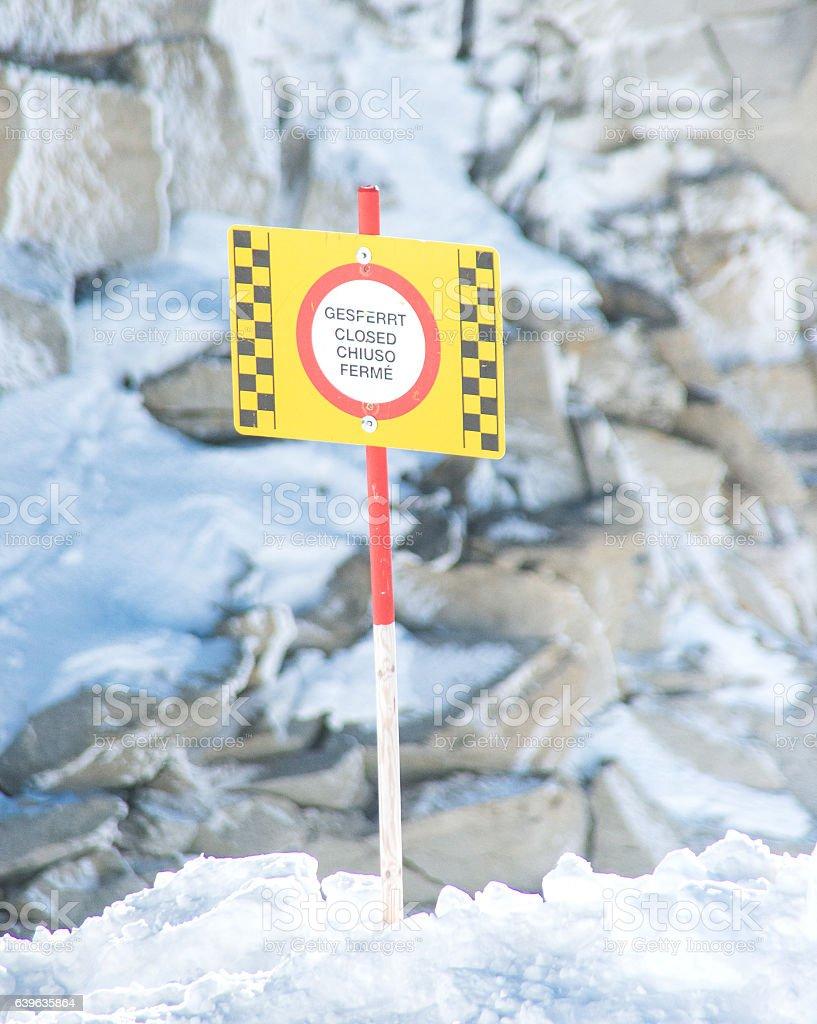 danger, gesperrt, do not walk on ice stock photo