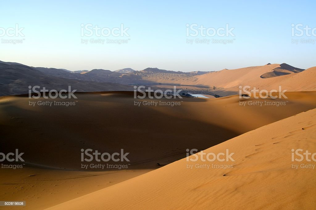 Dawn on Badain Jaran desert, Inner Mongolia stock photo