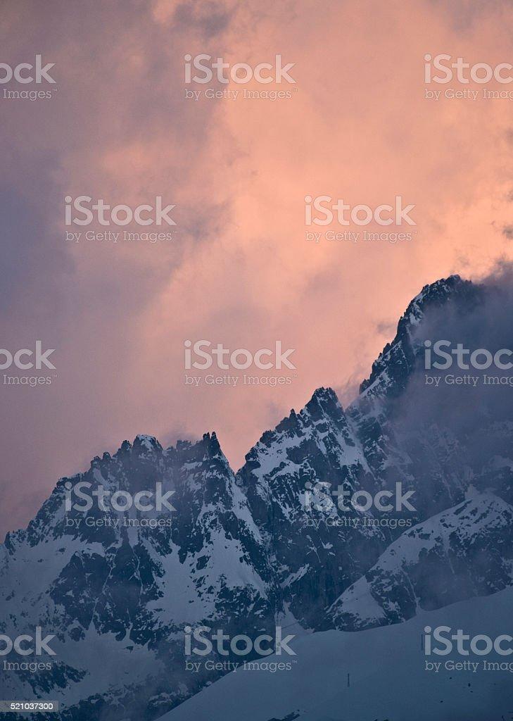 l'alba sulle vette stock photo