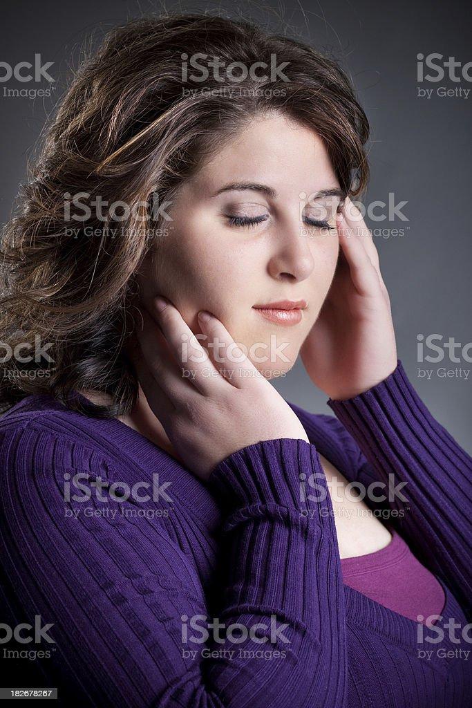Zum Tagträumen Frau mit Augen schließen – Foto