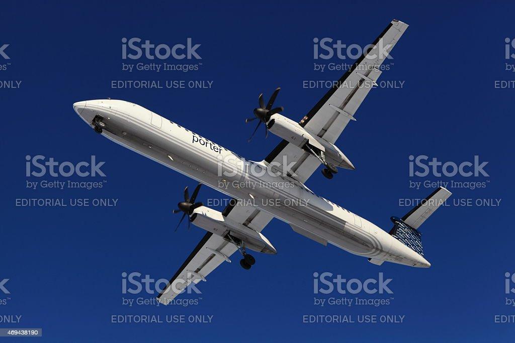 De Havilland Canada DHC-8 C-GLQQ Porter on final to YOW stock photo