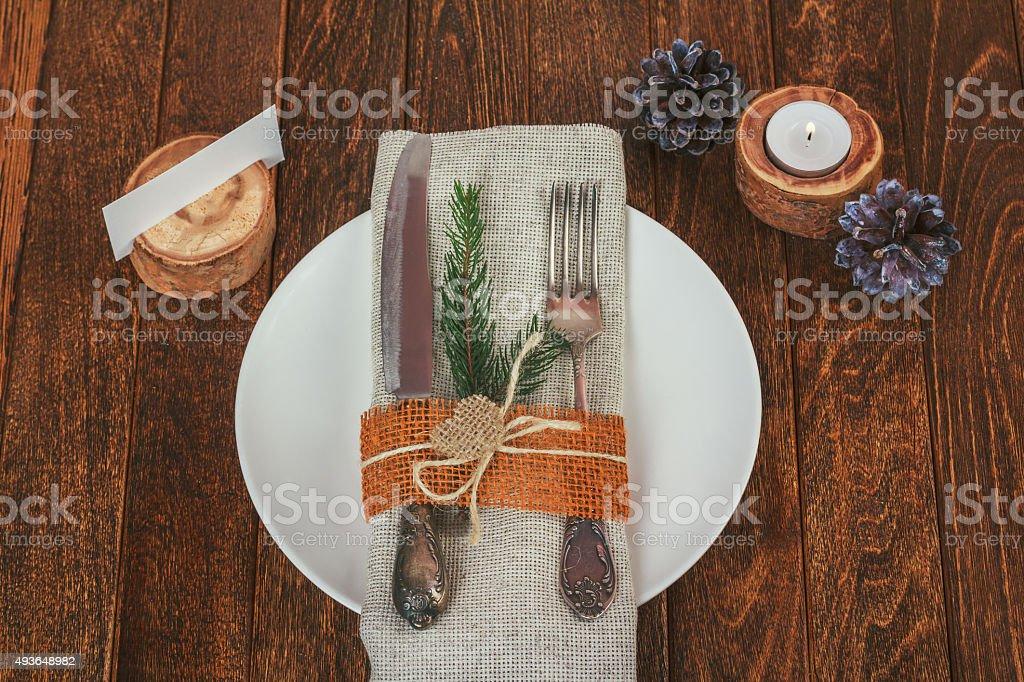 decoradas para navidad mesa de comedor estilo rstico en foto de stock libre de derechos