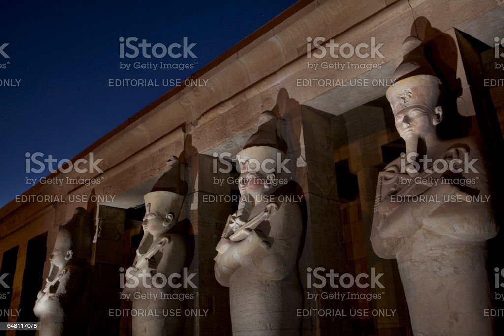 Deir el-Bahri: Mortuary Temple of Hatshepsut, statues of Osiris stock photo