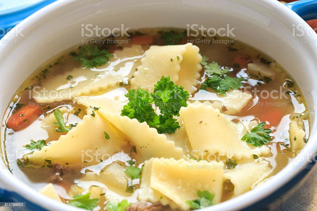 leckere Nudelsuppe stock photo