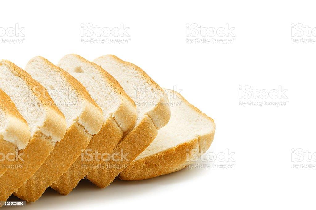 Delicioso Pão de Forma Fatiado isolado no fundo branco foto royalty-free