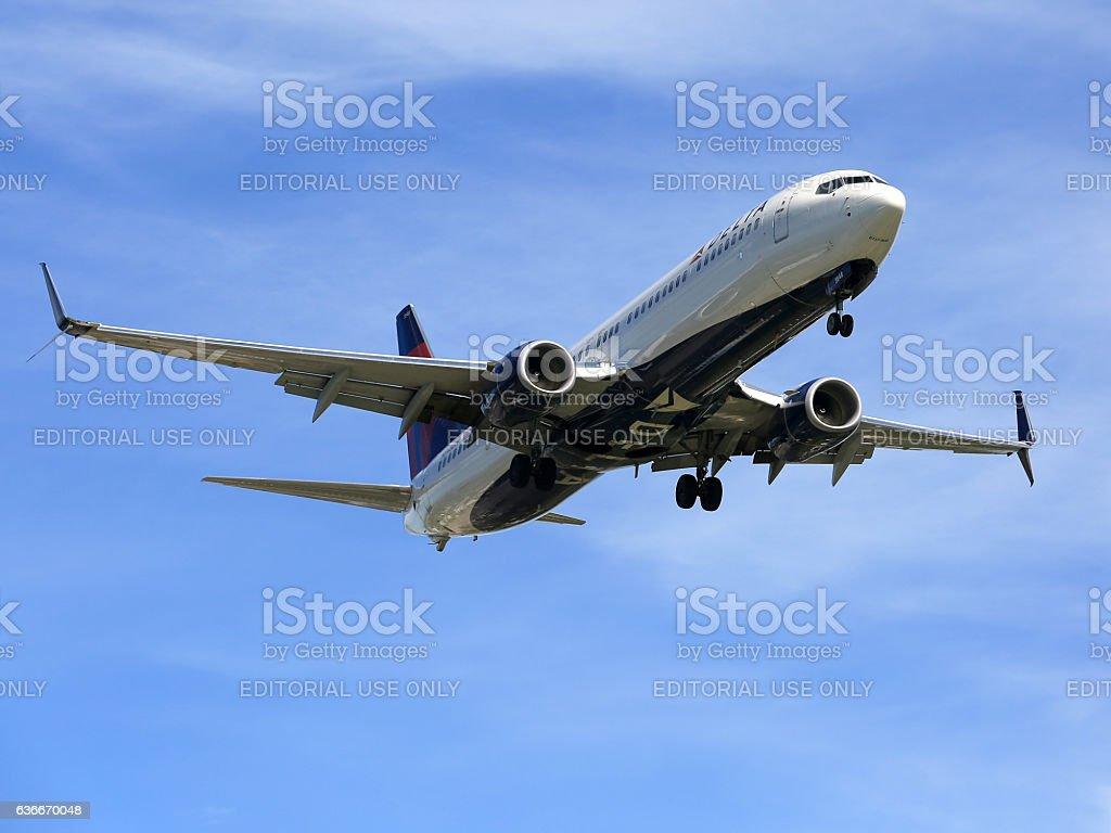 Delta Air Lines Boeing 737-900 landing at Sarasota International Airport stock photo