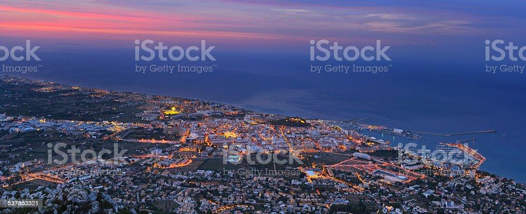 Denia puerto en crepúsculo foto de stock libre de derechos