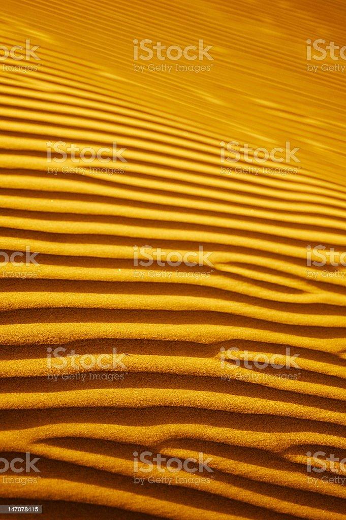 Dunes du désert au coucher du soleil photo libre de droits