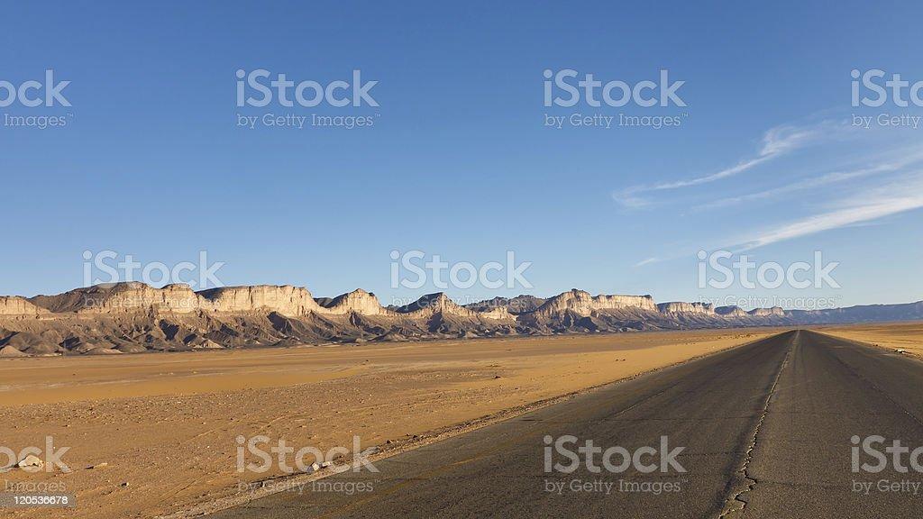 Desert Higway, Akakus (Acacus) Mountains, Sahara, Libya stock photo