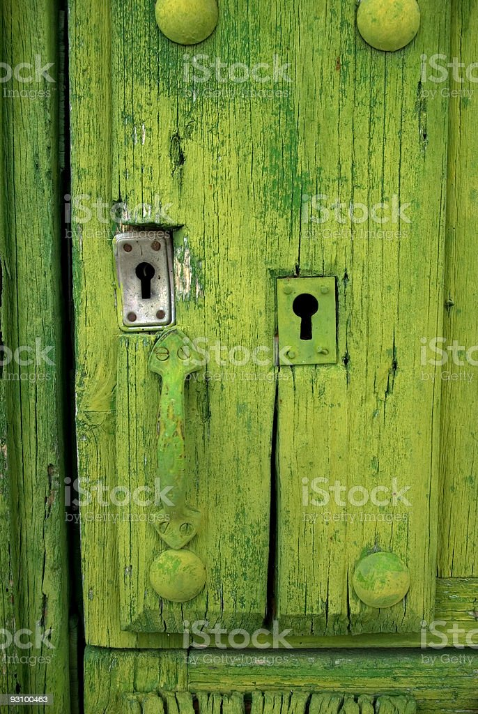 Detalle de una puerta verde royalty-free stock photo