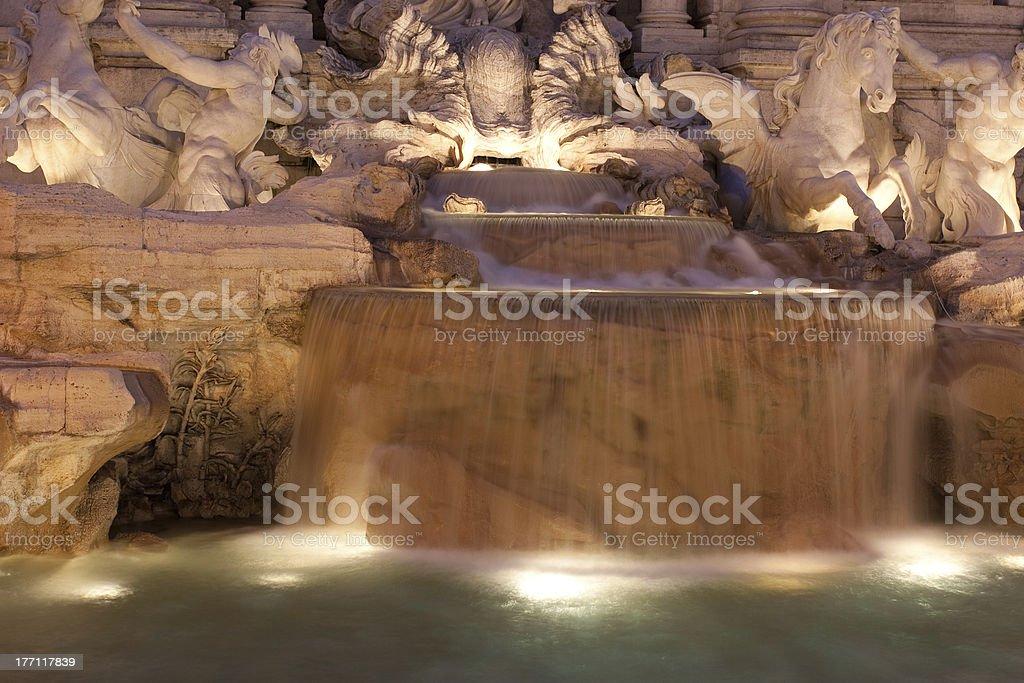 ディテール、トレビの泉の夜景 ロイヤリティフリーストックフォト