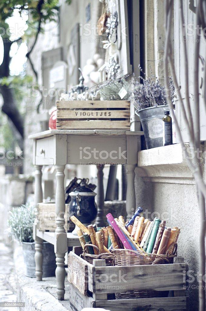 Deventure ?choppe provencale - caisses en bois stock photo