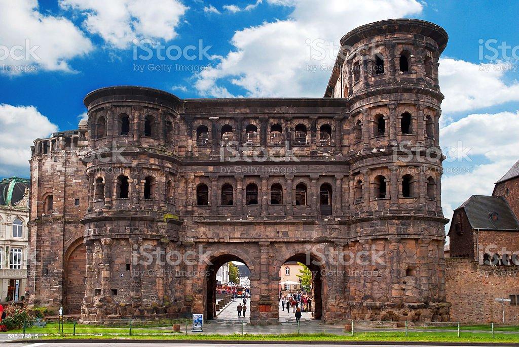 Die Porta Nigra in Trier an der Mosel stock photo