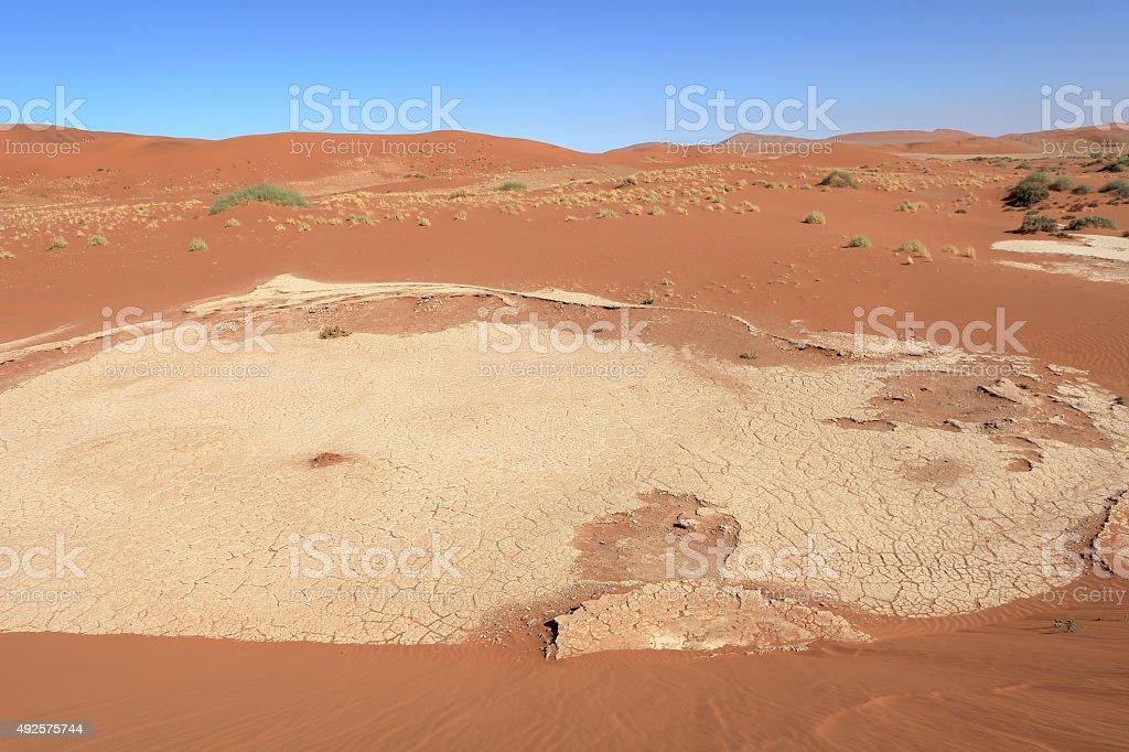 Die Wüste Namib mit dem Deadvlei und dem Sossusvlei stock photo