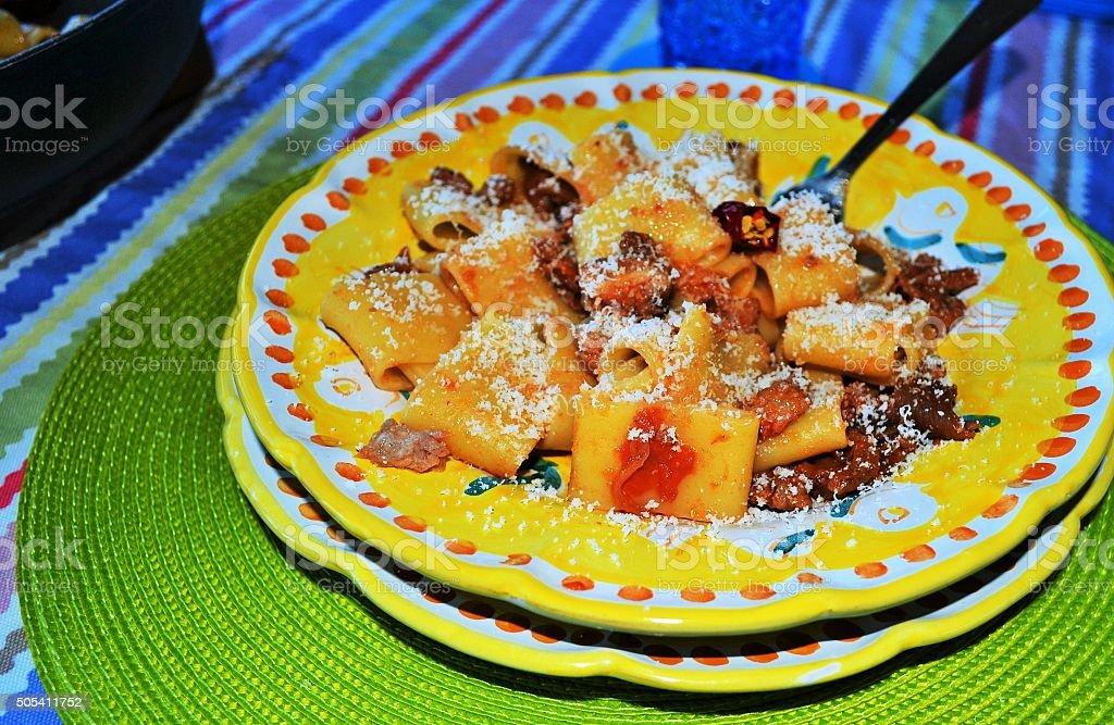 Dieta mediterranea, paccheri con funghi porcini stock photo