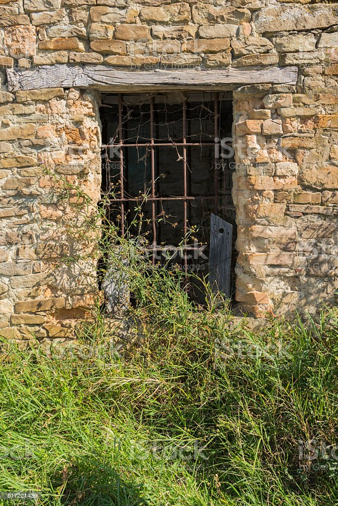Dilapidated farmhouse in Langhe (Unesco World Heritage site) stock photo
