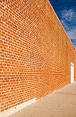 Diminishing wall