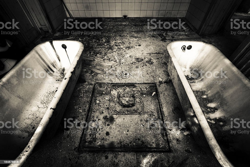 Dirty double bathtub royalty-free stock photo