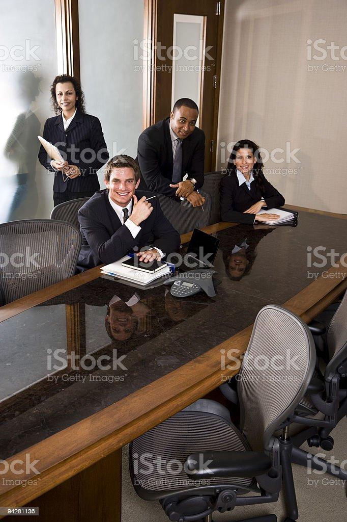 Diversidad de personas de negocios reunión en la sala de juntas foto de stock libre de derechos