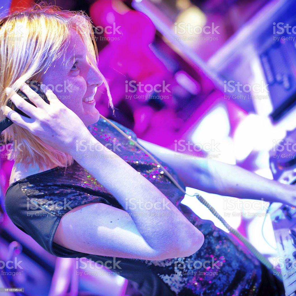 Dj in Consolle royalty-free stock photo