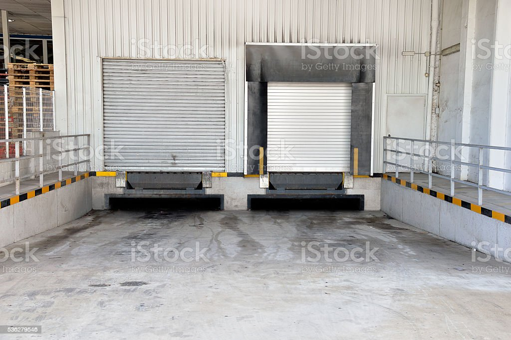 docking station for trucks at a distribution center stock photo