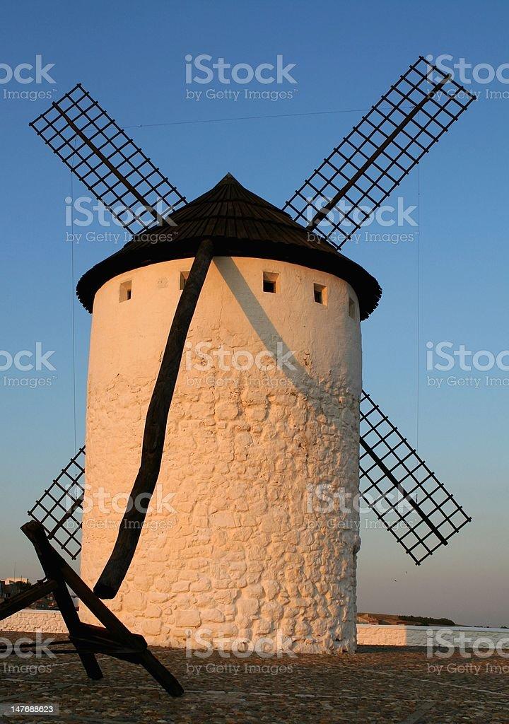ドン Quijote 風車 ロイヤリティフリーストックフォト